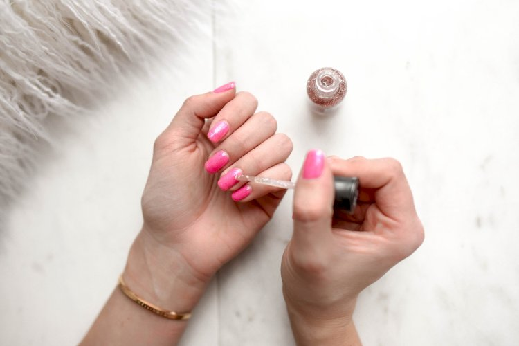 5 Hot Nail Polish Hits This Summer and Tips