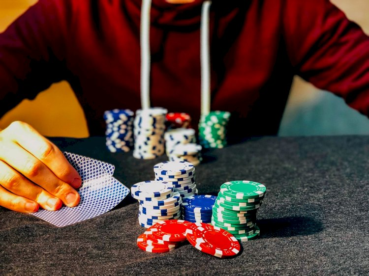 How to Help Someone With Gambling Addiction