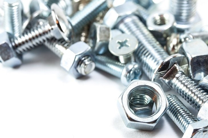 Mistakes That You Must Avoid When You Use A Stainless-Steel Bolt