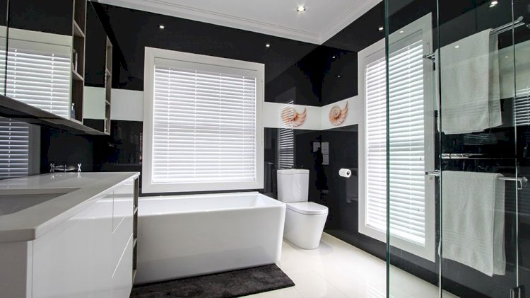 Why Should You Install Glass Splashback In Your Bathroom?