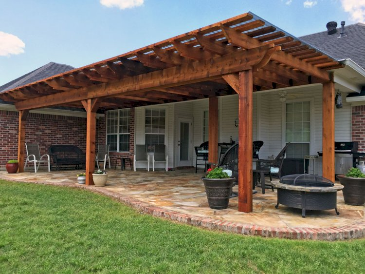 Tips To Keep Your Pergola Always in Flower