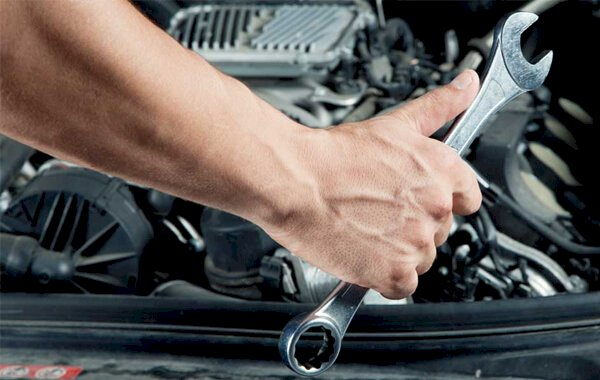 What is a car workshop manual and how are they used?