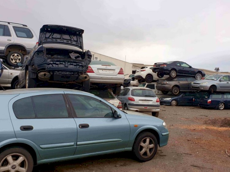5 Things To Do Before Taking Your Car To A Scrapyard